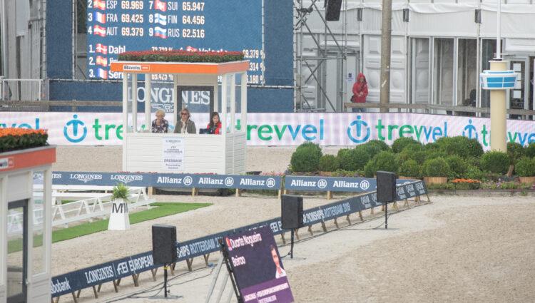JK Sponsor Trevvel LED DSC 7150